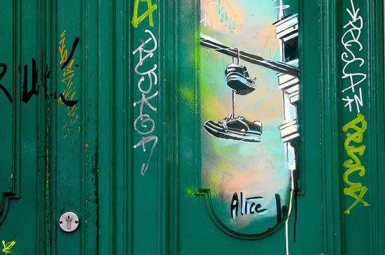 Ξεχωριστή τέχνη του δρόμου από την Alice Pasquini (3)