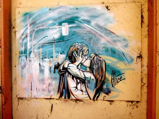 Ξεχωριστή τέχνη του δρόμου από την Alice Pasquini (6)