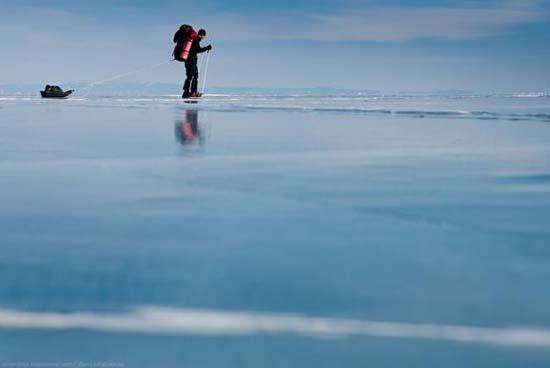 Παγωμένη λίμνη Baikal στη Σιβηρία (4)