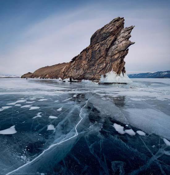 Παγωμένη λίμνη Baikal στη Σιβηρία (13)