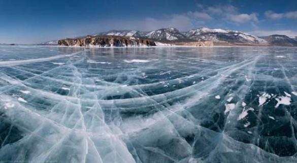 Παγωμένη λίμνη Baikal στη Σιβηρία (16)
