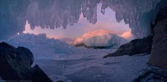 Παγωμένη λίμνη Baikal στη Σιβηρία (19)