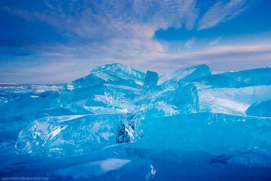 Παγωμένη λίμνη Baikal στη Σιβηρία (20)
