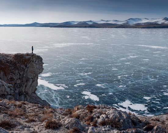 Παγωμένη λίμνη Baikal στη Σιβηρία (23)