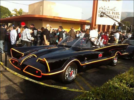 Η παρέλαση των Batmobiles (7)