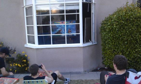 Ποιος είπε ότι τα σημερινά παιδιά δεν βγαίνουν έξω να παίξουν; | Φωτογραφία της ημέρας