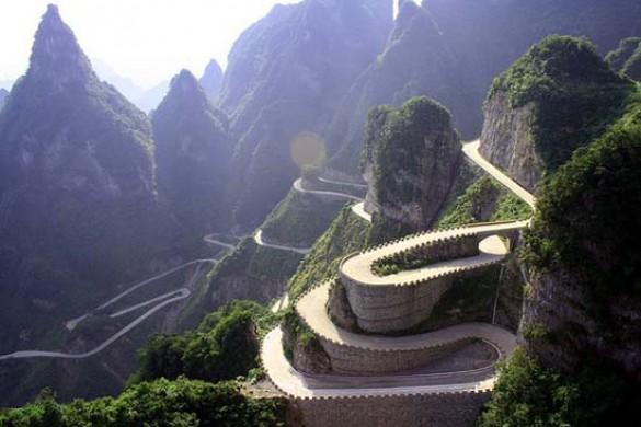 Ο πιο επικίνδυνος δρόμος στην Κίνα (2)