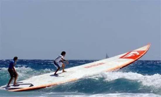 Οι 10 πιο παράξενοι surfers (2)