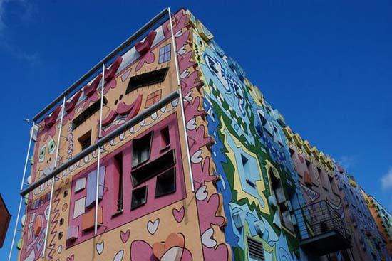 Το πιο χαρούμενο κτήριο στον κόσμο (14)
