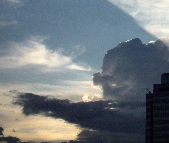 Σύννεφα που μοιάζουν με πράγματα (31)