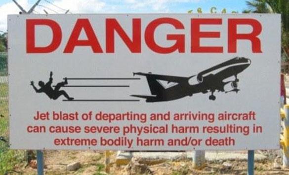 Τουρίστρια απογειώθηκε από... αέρια αεροπλάνου