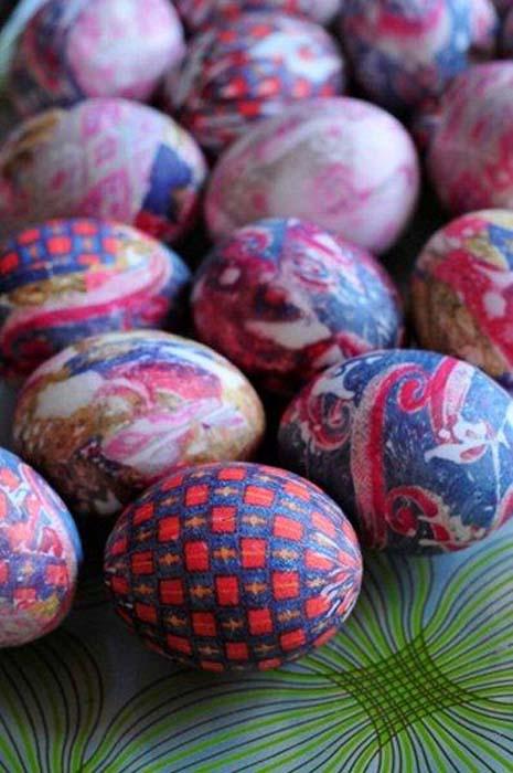 Βάψτε τα πασχαλινά αβγά χρησιμοποιώντας... γραβάτες! (8)