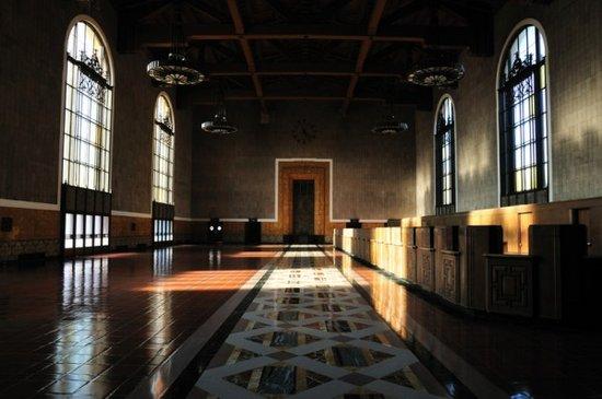 Οι ωραιότεροι σιδηροδρομικοί σταθμοί στον κόσμο (19)