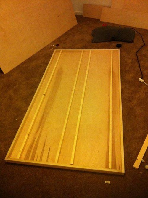 Πως να κατασκευάσετε ένα αιωρούμενο κρεβάτι με μαγνήτες (3)