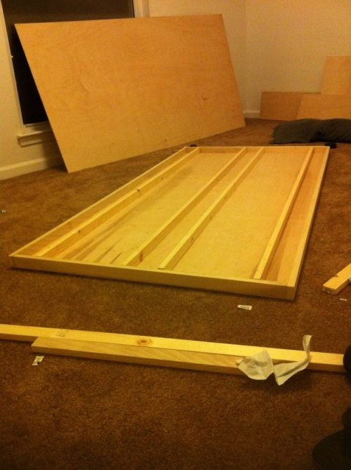 Πως να κατασκευάσετε ένα αιωρούμενο κρεβάτι με μαγνήτες (5)