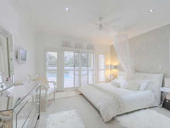 Ένα ασυνήθιστο ολόλευκο σπίτι (7)