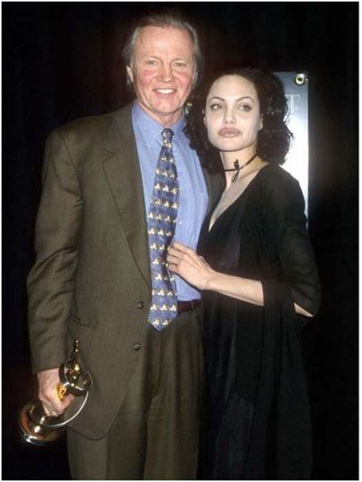Τα διαφορετικά στυλ της Angelina Jolie από το 1998 μέχρι σήμερα (4)