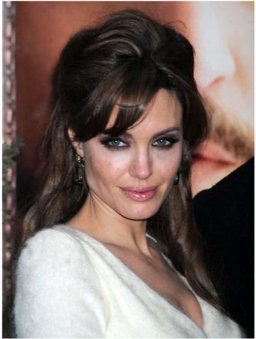Τα διαφορετικά στυλ της Angelina Jolie από το 1998 μέχρι σήμερα (25)