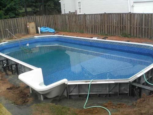 Έφτιαξε μόνος του πισίνα για το σπίτι του (30)