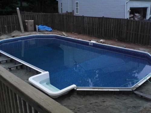 Έφτιαξε μόνος του πισίνα για το σπίτι του (31)