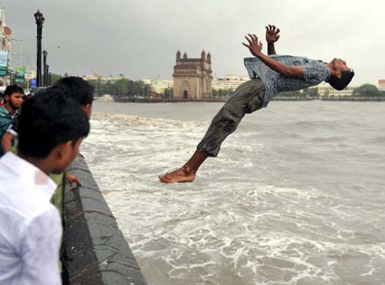 Εν τω μεταξύ στην Ινδία (11)