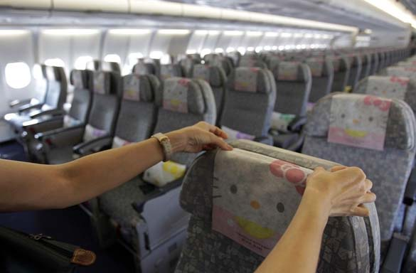 Hello Kitty Airlines (2)