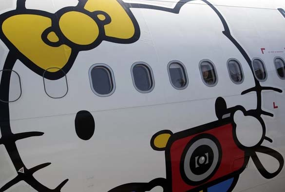 Hello Kitty Airlines (5)