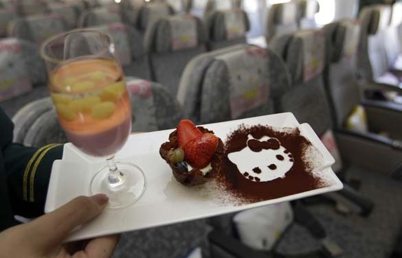 Hello Kitty Airlines (7)