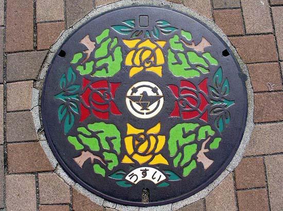 Στην Ιαπωνία τα καπάκια φρεατίων είναι αφορμή για... τέχνη! (13)