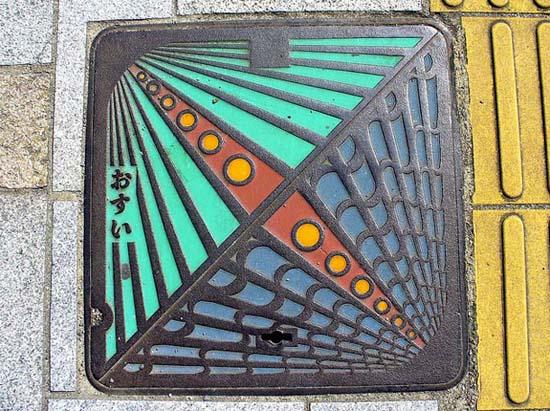 Στην Ιαπωνία τα καπάκια φρεατίων είναι αφορμή για... τέχνη! (17)