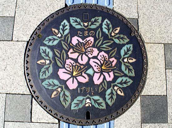 Στην Ιαπωνία τα καπάκια φρεατίων είναι αφορμή για... τέχνη! (20)