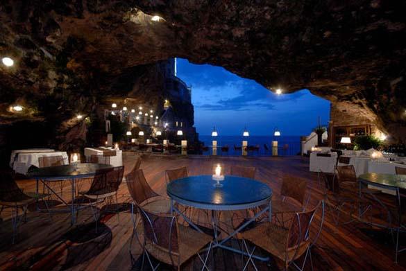 Εκπληκτικό ξενοδοχείο μέσα σε βράχο με θέα την Αδριατική (1)