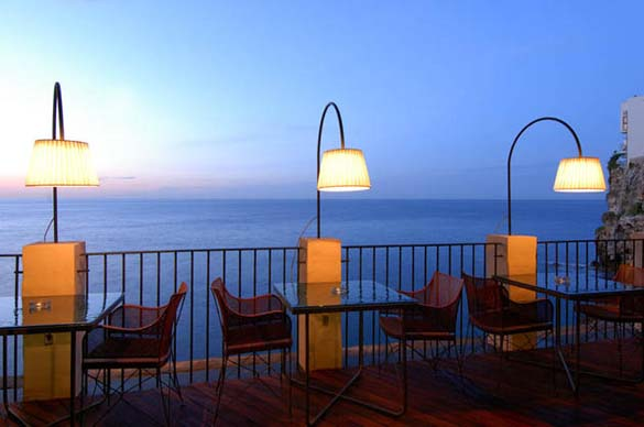 Εκπληκτικό ξενοδοχείο μέσα σε βράχο με θέα την Αδριατική (2)