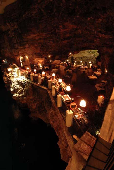 Εκπληκτικό ξενοδοχείο μέσα σε βράχο με θέα την Αδριατική (3)