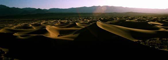 Η μυστηριώδης Κοιλάδα του Θανάτου στην Καλιφόρνια (4)