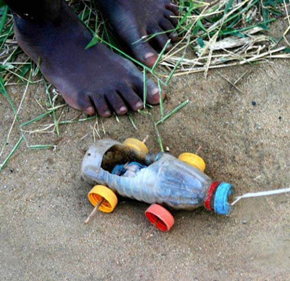 Τα παιδιά της Αφρικής δεν χρειάζονται ακριβά παιχνίδια (1)