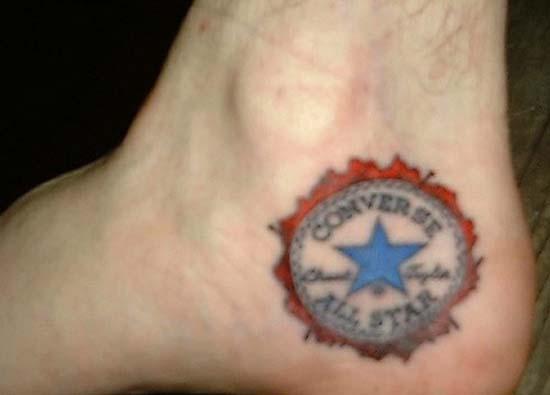 Άνθρωποι που έκαναν τατουάζ σε σχέδιο παπουτσιού (1)