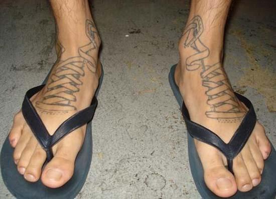 Άνθρωποι που έκαναν τατουάζ σε σχέδιο παπουτσιού (3)