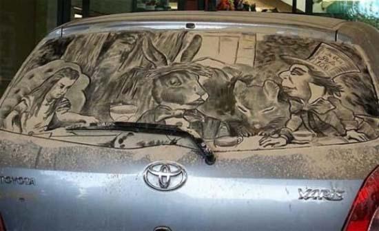Τέχνη σε σκονισμένα αυτοκίνητα (12)