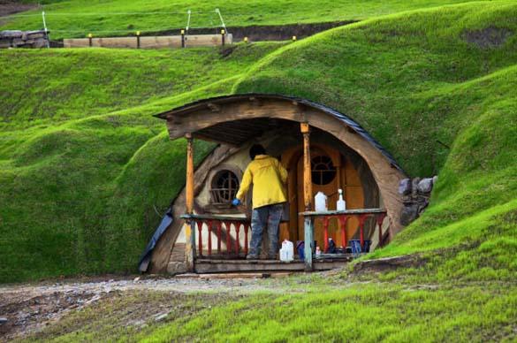 The Hobbit (2)