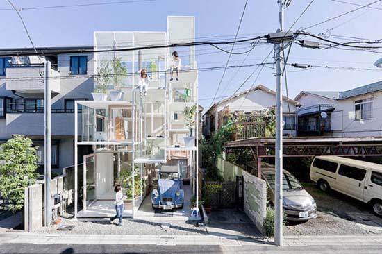 Ζευγάρι κατοικεί σε διάφανο σπίτι στο Τόκιο (2)