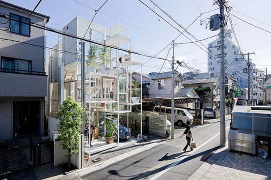 Ζευγάρι κατοικεί σε διάφανο σπίτι στο Τόκιο (4)