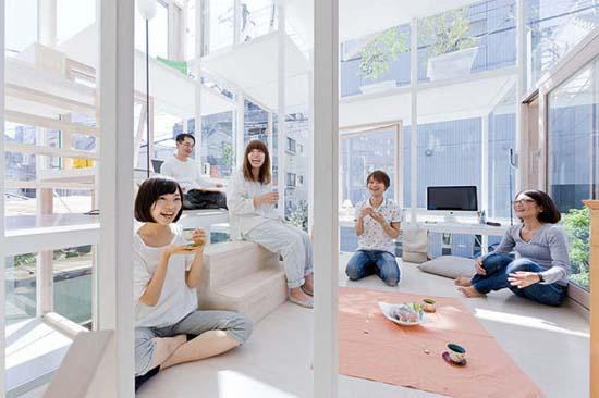 Ζευγάρι κατοικεί σε διάφανο σπίτι στο Τόκιο (6)