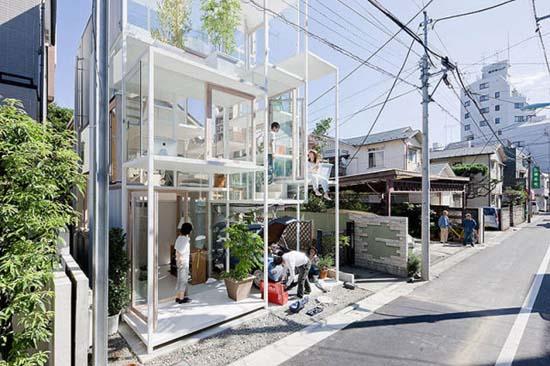 Ζευγάρι κατοικεί σε διάφανο σπίτι στο Τόκιο (9)