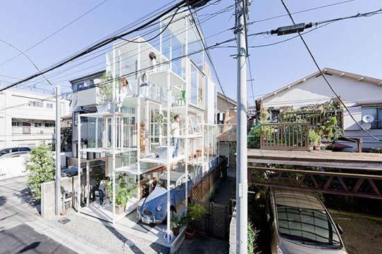 Ζευγάρι κατοικεί σε διάφανο σπίτι στο Τόκιο (13)