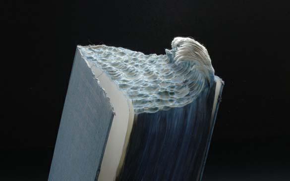 Απίστευτα γλυπτά τοπίων με βιβλία (1)