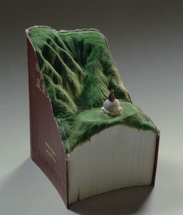 Απίστευτα γλυπτά τοπίων με βιβλία (5)
