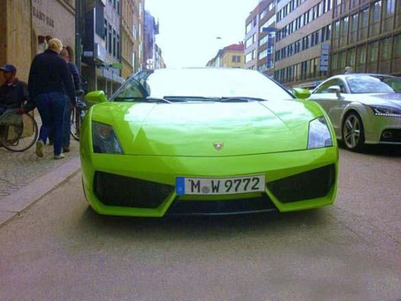Τα αυτοκίνητα των αστεριών του Euro 2012 (8)