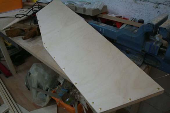 Έφτιαξε μόνος του ιστιοπλοϊκό σκάφος στο σπίτι (8)