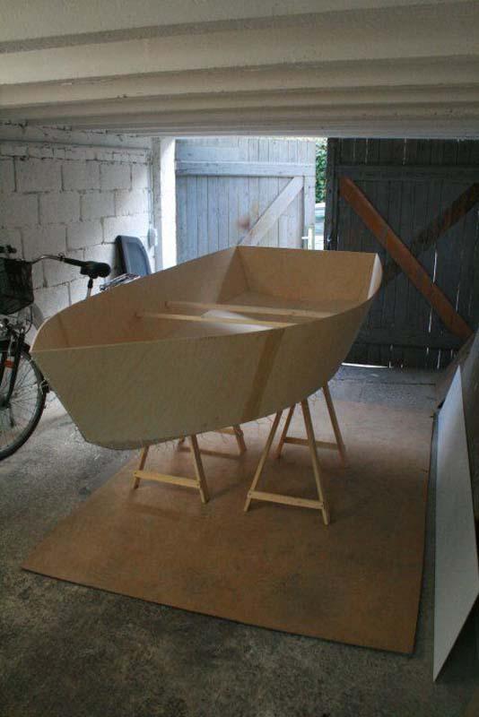 Έφτιαξε μόνος του ιστιοπλοϊκό σκάφος στο σπίτι (29)